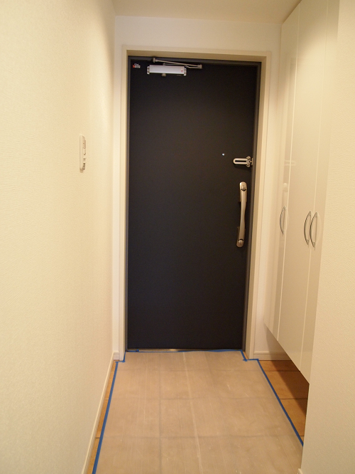 玄関脇には靴もたっぷり収納可能。