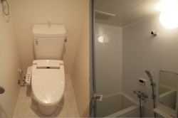 左:トイレ 右:バス