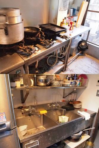 厨房。コンロに冷蔵庫があるのは初期投資を抑える上で重要!