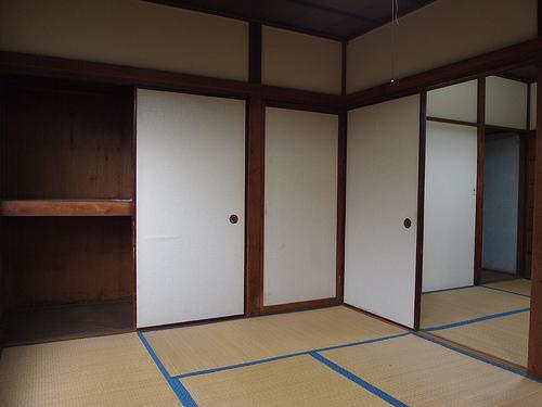 角部屋に収納もあります。
