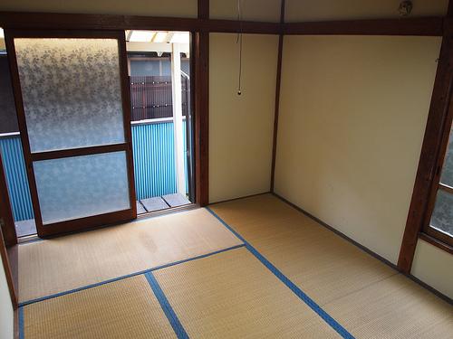 室内は4.5畳と6畳の和室。