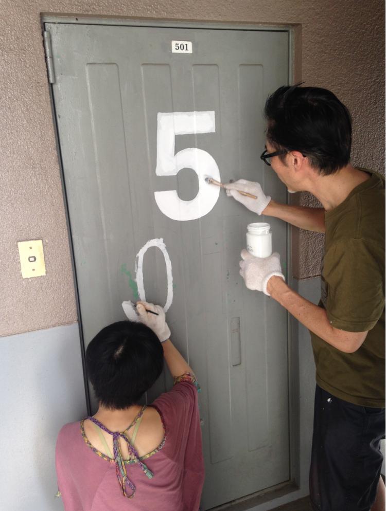 佐藤さんも作業を手伝います。