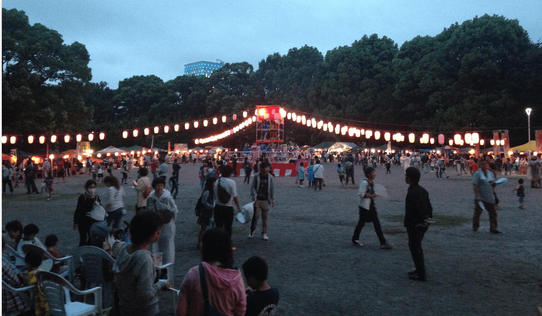 松戸中公園の盆踊りの様子。