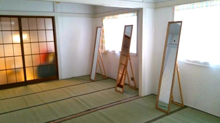 まる子先生は20代の頃、照明メーカーに勤めインテリアの仕事をしていました。教室の内装のコーディネートにその経験が活かされています。(画像引用元)
