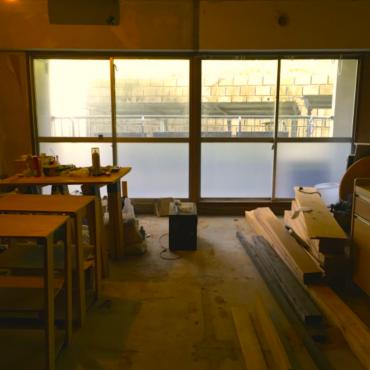 MAD Cityの運営施設「いろどりマンション」では、ほぼ解体された3DKのお部屋をまるごと1室、共有ルームとして開放しています。