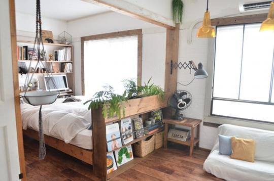 築47年の賃貸物件とは思えないお部屋です。Kume Mariさんは、賃貸でもDIYで暮らしをもっと楽しく快適にすることが出来ることを教えてくれています。