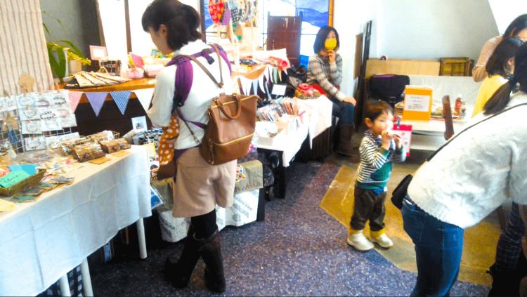 miccuまつりは、毎月テーマを変えて、子連れで楽しめるイベントやワークショップ、ハンドメイド作品販売など、子育て中のママ&パパが楽しめるイベントです。