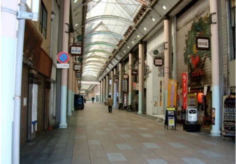 生活に困っていない不動産オーナーの存在が、商店街の魅力を削いでいると言えます。