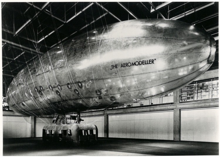 パナマレンコ《The Aeromodeller (Zeppelin)》1969-1971年