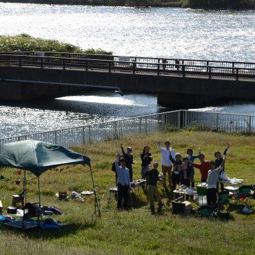 江戸川には広大な河川敷が広がります。河川敷でBBQ、とても気持ちいいですよ。