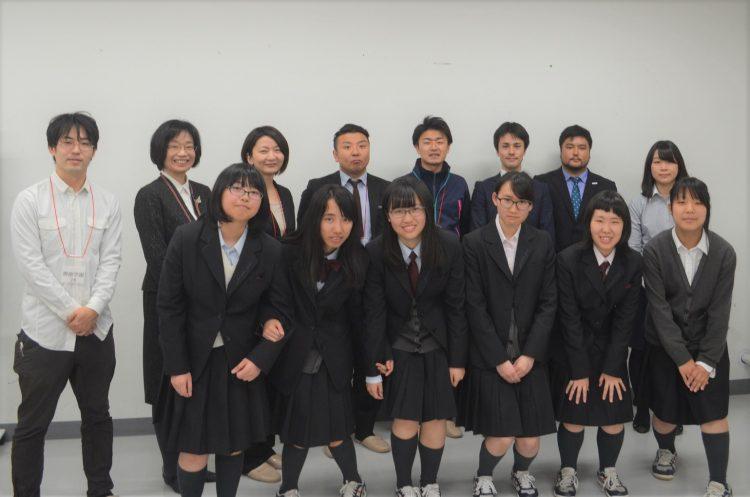 プロジェクトに参加してくれた生徒たちとの記念写真