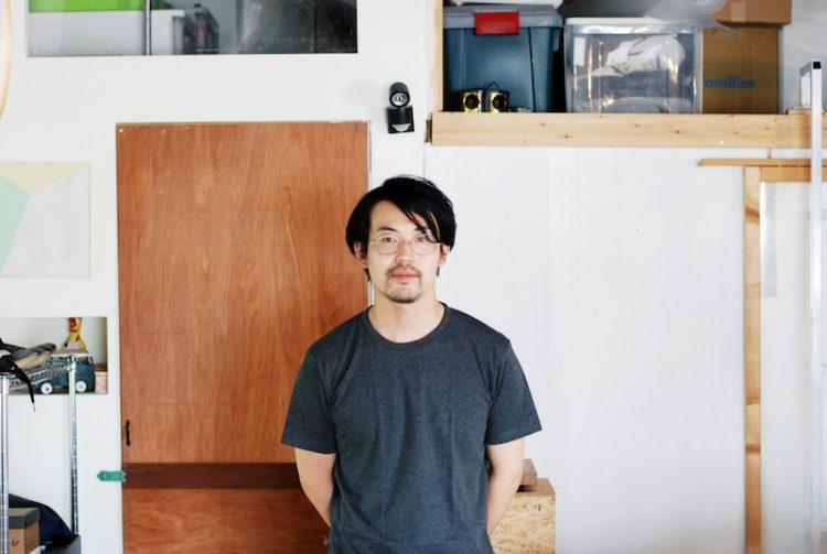 前入居者の西岳さん。この場所で制作活動を行っていました。